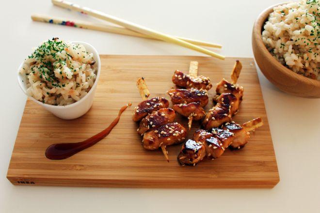 Yakitori de pollo. Receta japonesa