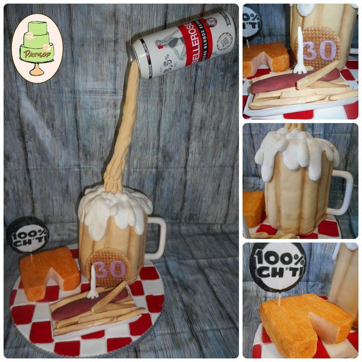 Ch'ti cake en pâte à sucre : toutes les spécialités du Nord réunies sur un plateau : maroilles, frites & fricadelles, gaufrette et la bonne bière pour accompagner le tout ! Hormis la canette, tout est comestible !