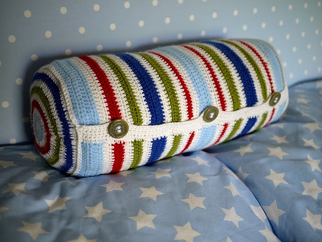 Free Crochet Pattern Bolster Pillow : 117 best images about Crochet Pillows,Cushions,Pillow Logs ...