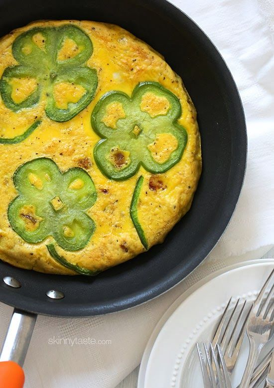 Bell Pepper and Potato Shamrock Frittata – EASY and inexpensive, perfect for St Patricks Day
