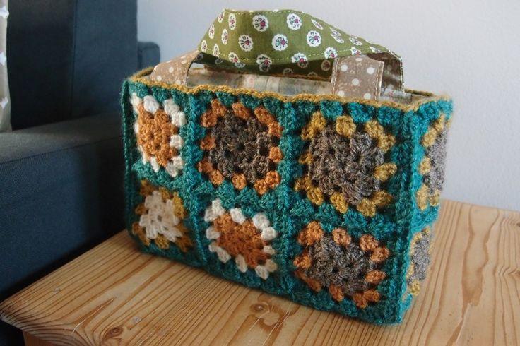 Crochet little bag/box/basket...