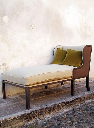 17 best images about fainting couch chaise lounge on for Small fainting couch