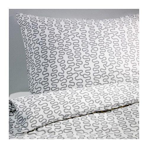 KRÅKRIS Dekbedovertrek met 1 sloop IKEA De combinatie polyester/katoen is onderhoudsvriendelijk omdat het weefsel niet krimpt en minder snel kreukelt.