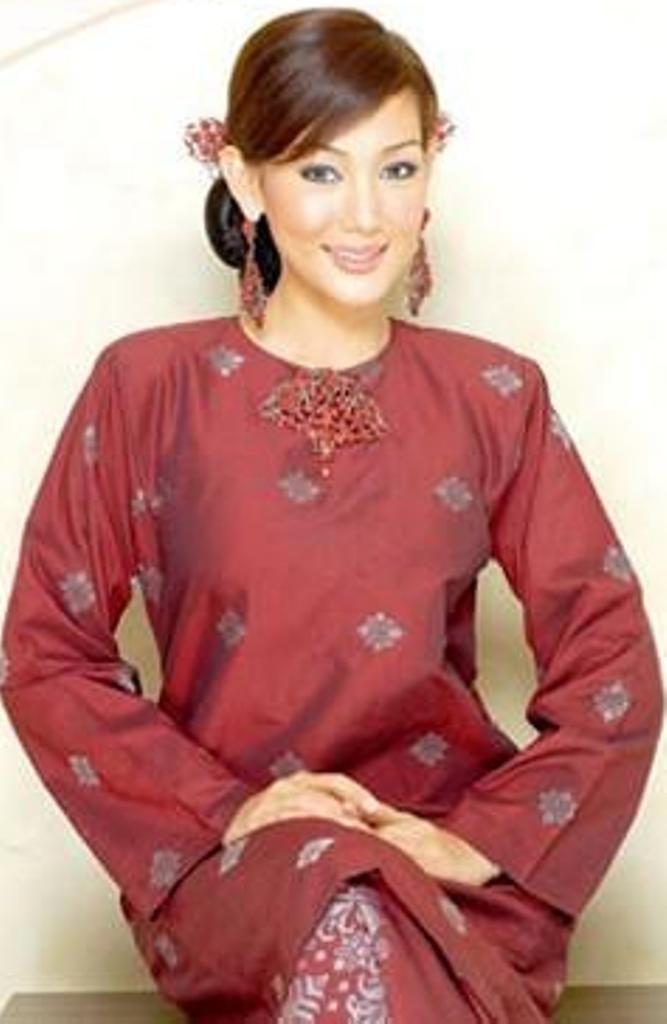 Baju Kurung Songket .... <3