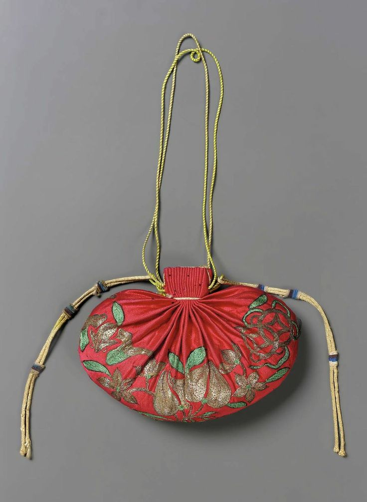 Purse for man's court belt (shou) Chinese, Qing dynasty, late 19th century