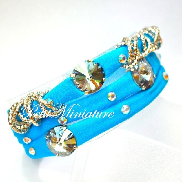 Bracciale in lycra tessuto elastico,con applicazioni rivoli swarovski n 3,catena argento,charm argento indiano,made in italy  https://www.etsy.com/it/shop/PetitMiniatures?section_id=15150671&ref=shopsection_leftnav_5