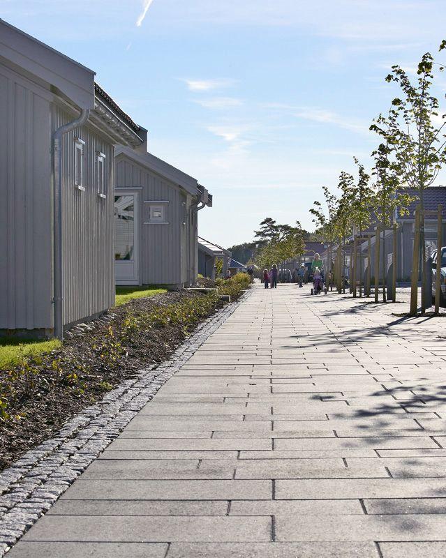 Aaltvedt Gangbaneheller til Brunstad  http://www.aaltvedt.no/produkter/prosjektstein/gangbaneheller
