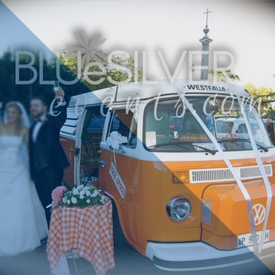 """CHE COSA POSSO FARE PER VOI:Per arrivare sul luogo della cerimonia invece delle solite auto perché non pensare a qualcosa di più originale? Tra i nostri fornitori c'è la possibilità di noleggiare furgoncini """"wedding style"""" che lasceranno di stucco i vostri ospiti!  Contattateci per usufruire di sconti agevolati! 😉😉😉 🚚   Per maggiori info: 3471899062 (anche Whatsapp)   info@bluesilverevents.com    #matrimonio #matrimoni #matrimoniosemplice #weddingday #sposa #sposi #festa #festatop #aiuto…"""