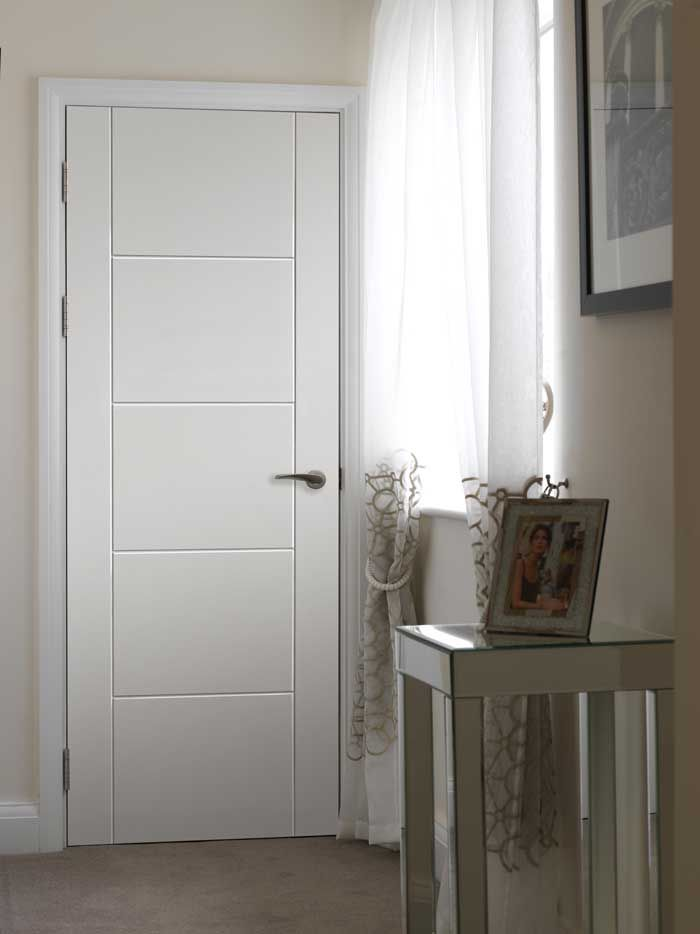 Tigris White Contemporary - Contemporary pre-finished white internal door with grooved ladder style effect.