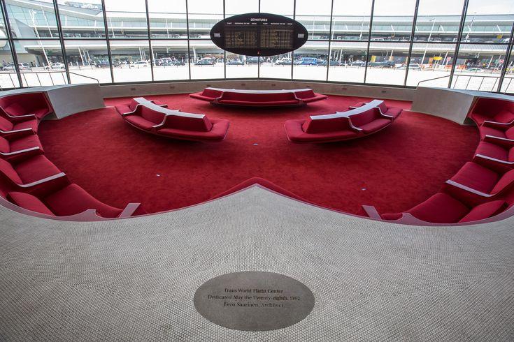 Gallery - Photographer Max Touhey Gives a Rare Glimpse Inside Eero Saarinen's TWA Flight Center - 4