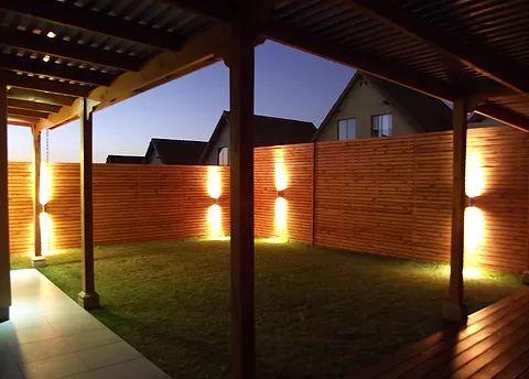 Construcci n de terrazas p rgolas de madera cobertizos for Cobertizos para terrazas