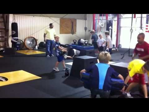 Crossfit kids tunnel game - YouTube