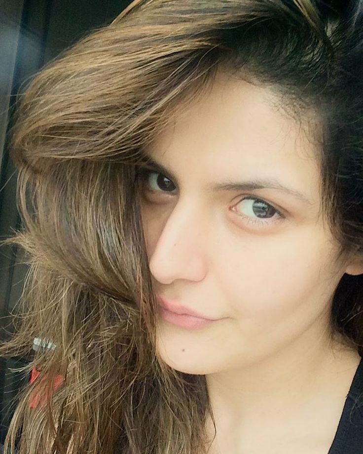 What do u do right after waking up, on a lazy Sunday ?  That's right ... Take a Selfie !  #SimplyMe #HappySunday #HappyHeart