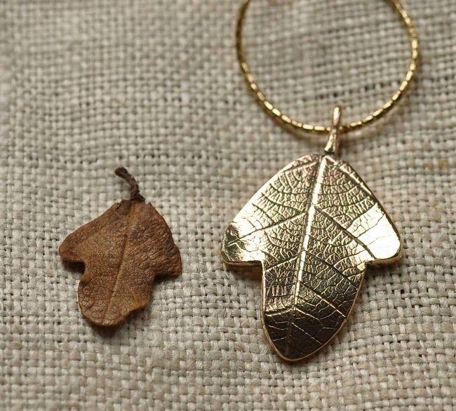 Solid gold oak leaf pendant - Pendente con foglia di quercia