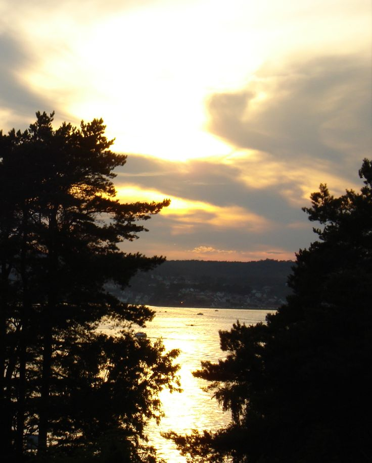 Sunset by the ocean. #nature #sun #sky #norway #sunset #summer