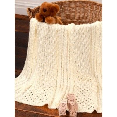 Here's the gorgeous Irish Eyes Baby Blanket… and it's a free pattern