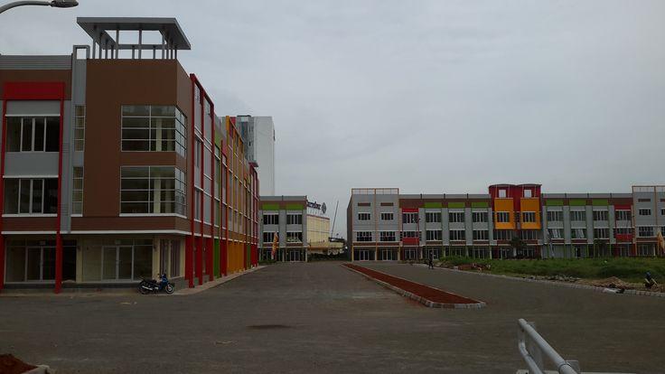 Ruko dan apartemen bekasi town square