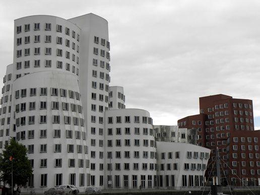 #Dusseldorf #MediaHarbour #beautiful #buildings