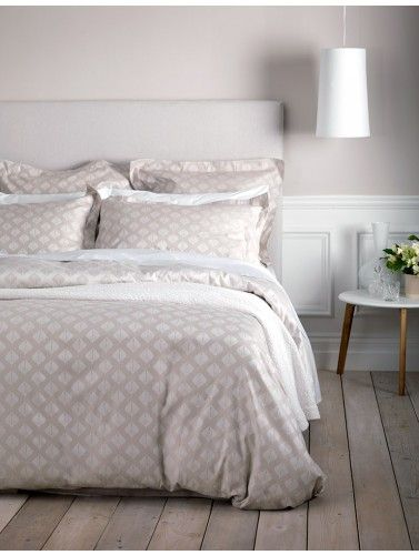 Classic and classy. Pinecones Coffee Cream Bedding Set by the Secret Linen Store. Amazing.