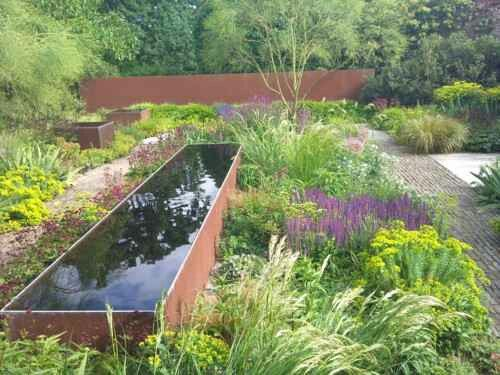 Beautiful planting in Tom Stuart-Smith's garden.