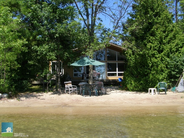 Cottage Country Listing #183205 - Orillia, Lake Simcoe Cottage in Lake Simcoe - Simcoe County - Cottage Country Rentals