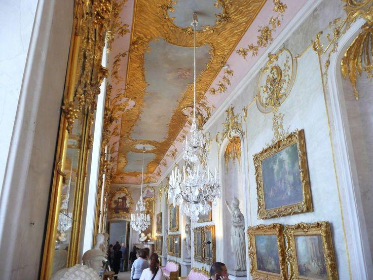 Seitenflügel von Schloss Sanssouci in Potsdam - aufgenommen und gepinnt vom Immobilien Büro in Hannover Makler arthax-immobilien.de