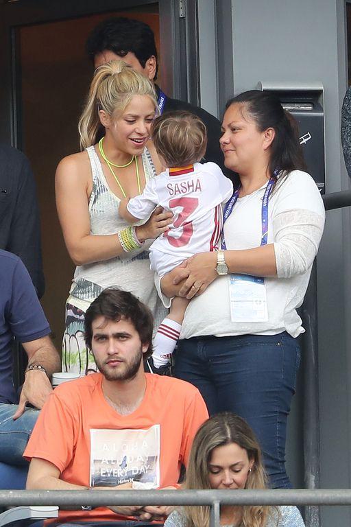 Shakira, Milan, Sasha et la mère de Gerard Piqué au match Espagne-Italie lors de l'Euro 2016 au Stade de France, 27 juin 2016