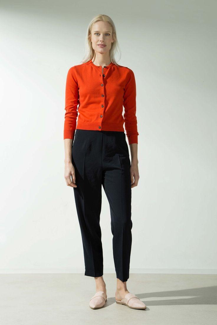 Zenggi Vest in fijn gebreid katoen mandarin orange oranje knit vest cardigan cotton with buttons