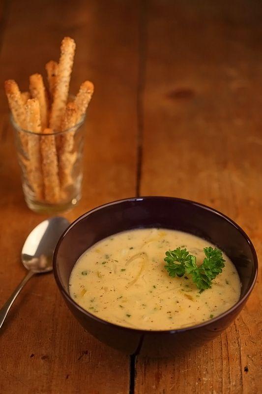 Een pittig, maar romig soepje dat niet alleen onder de mosterdfans geliefd is. Als je echt niet van witlof houd, is die te vervangen door witte kool. Kook de kool dan 15 minuten met de soep mee.