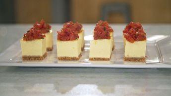 Cheesecake salgado com tomate confit: aprenda a fazer essa versão do cheesecake para servir como canapé