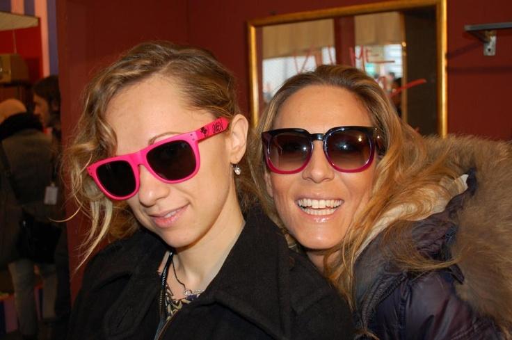 @Kristine Spiller e @Lucia Zanetti provado gli occhiali di Happiness Shades - Pitti Uomo 2013 #SpeadHappiness @Happiness