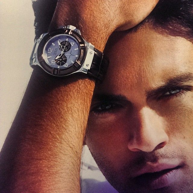 Guess men watches available at www.kish.nl