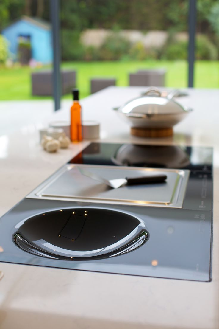 Amazing induction wok cook top from VZUG.