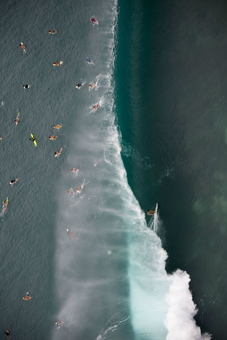 highenoughtoseethesea:  Reef, charging Pipe.  Shot from the heli by Ryan Miller