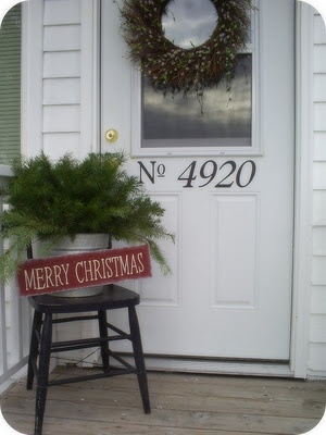 Love the simplicity!  Would love this idea on my front porch :)  hmmmm