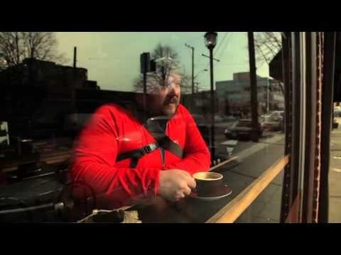 Neden Şehirde Bisiklet Sürülür?  - Şehirde bisiklet sürmek sizin için ne ifade ediyor?  Bu soruyu 2012 yılında Seattle'da bisiklet kullanan bisikletlilere sorarak yolculuklarına eşlik etmişler.   Brian Benthin: Yönetmen Beth Ann Anderson: Yapımcı Kayıt ve Montaj: Larry McLaughlin Orijinal müzik: Michael Denny. michaeldennymusic.com/ REI.com   Türkçe altyazılı: https://www.youtube.com/watch?v=B9-OOsdl1-M    - REI URBAN CYCLING - YouTube