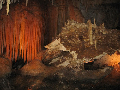 Jewel Cave, Margaret River - National Monument is in the Black Hills of SD. 2nd longest cave in the world with about 141 miles of mapped passageways