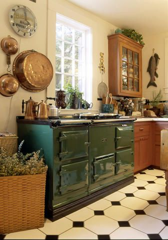 British Racing Green Aga ♥ the same as mine (only I have the smaller one!)