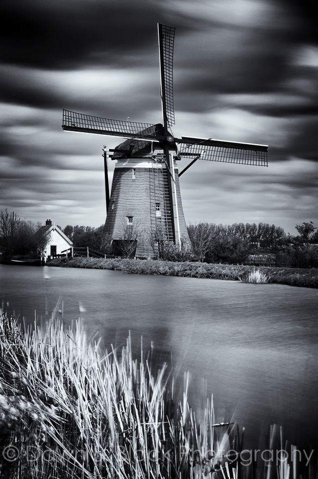 Zelden Van Passe Poldermolen by Stompwijk -Possibly the inspiration for the Winged Watchman. Located in Zoeterwoude, where the story takes place, and of the same style - a grondzeiler, or smock mill - as the Winged Watchman.