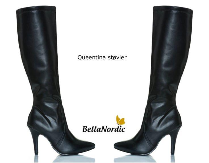 Super fede lange støvler med hæl, indvendig lynlås, lækkert foer og vidde i skaftet. Hælehøjde: ca. 10 cm.  http://bellanordic.dk/sko/1086-queentina-stovler-sort.html