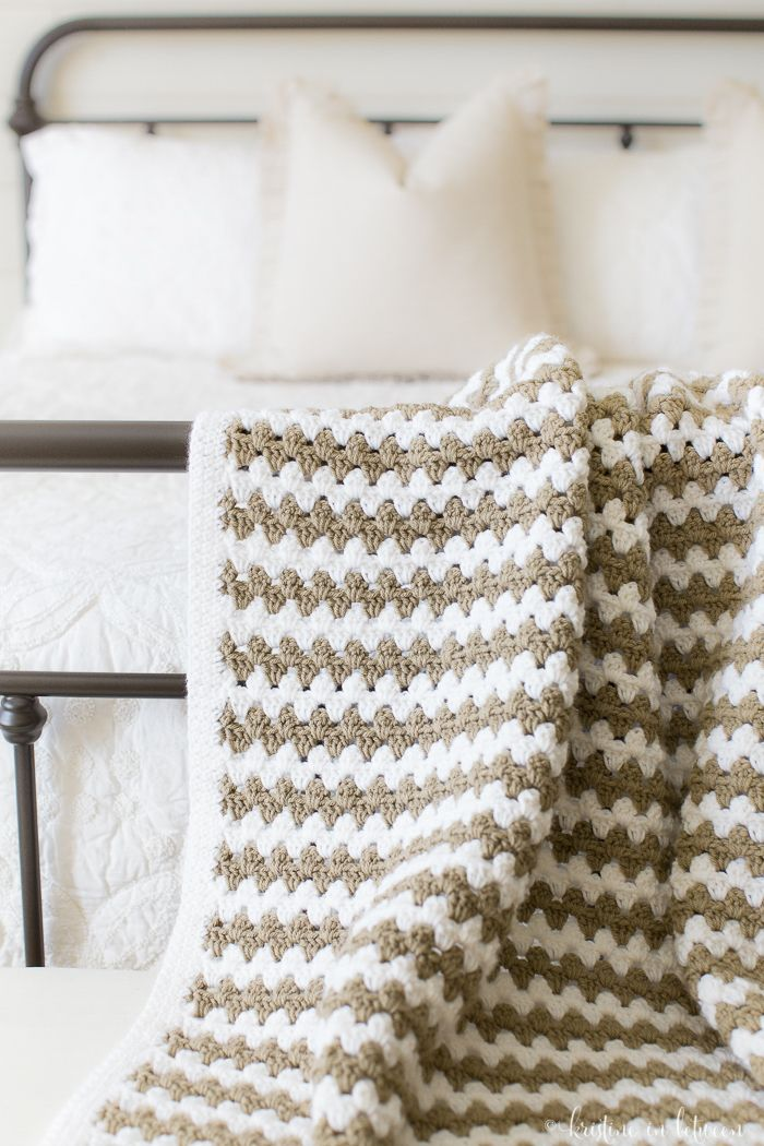 This is the prettiest crochet afghan!  Simple granny stripes.  I love everything about this!