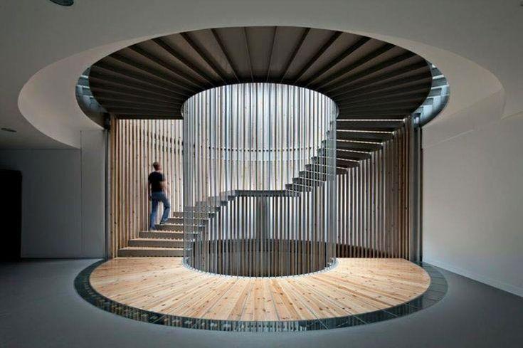 İç mekan tasarımında önemli bir yere sahip olan merdivenler için sıradanın dışına çıkmış ilginç tasarıma sahip merdivenler.