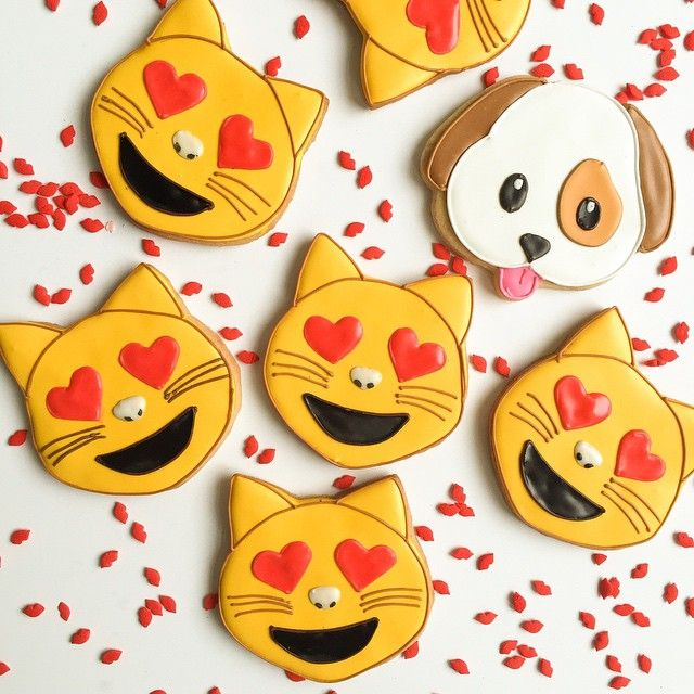 #cat and # dog #emoji #customcookies for #ValentinesDay! #bakedideas