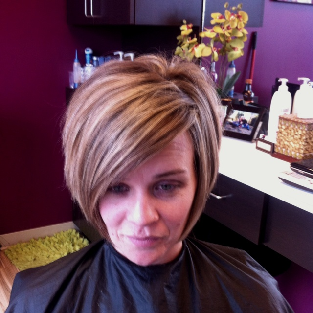 Fabulous 1000 Images About Haircuts Round Face On Pinterest Inverted Bob Hairstyles For Men Maxibearus