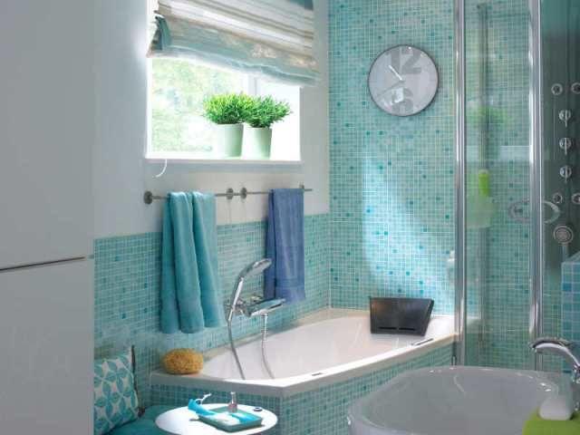 Hogyan tehetjük fürdőszobánkat világosabbá és nagyobbá egyszerű #lakberendezési ötletekkel