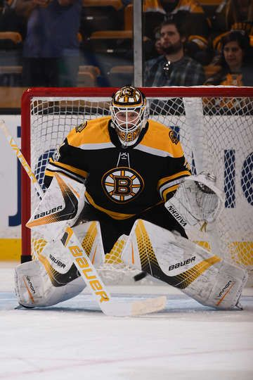 BOSTON, MA - OCTOBER 21: Zane McIntyre #31 of the Boston Bruins warms up before the game against the Buffalo Sabres at the TD Garden on October 21, 2017 in Boston, Massachusetts. (Photo by Steve Babineau/NHLI via Getty Images)