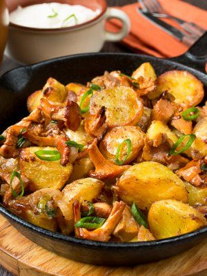 Печеный картофель с лисичками