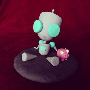 She's also made GIR from Invader ZIM.   This Artist Creates Adorably Weird Figurines Out Of Clay