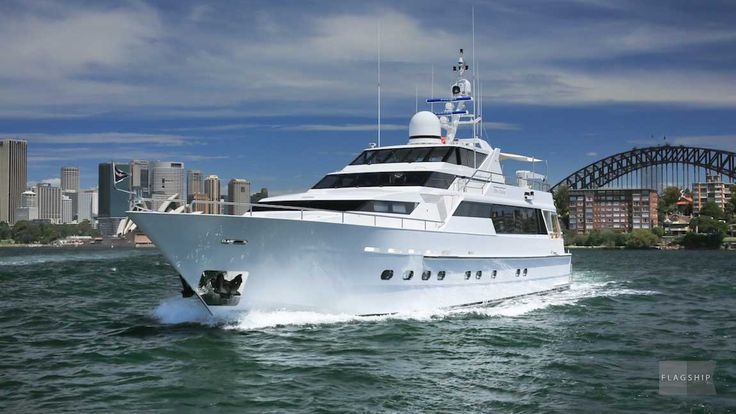 Oscar II available for luxury boat hire in Sydney feels like your own private yacht, she offers a choice of 4 separate areas - the spacious foredeck with spa, luxurious lounge and dining area, covered aft deck with a private bar and al fresco upper deck with BBQ.