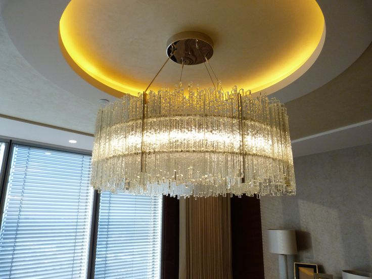 Gulfoss Chandelier with clear chipped glass